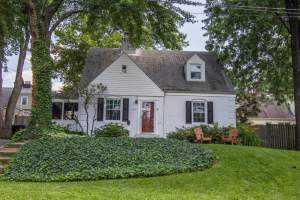 Homes for Sale in Yorktown Arlington, VA