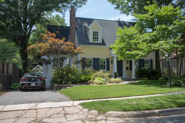 Single-Family Home for sale in Arlington's Waycroft Neighborhood