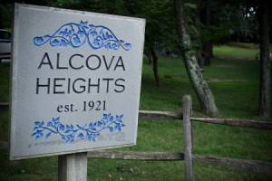 Homes for Sale in Alcova Heights