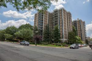 Columbia Pike Apartment Complex in Arlington VA