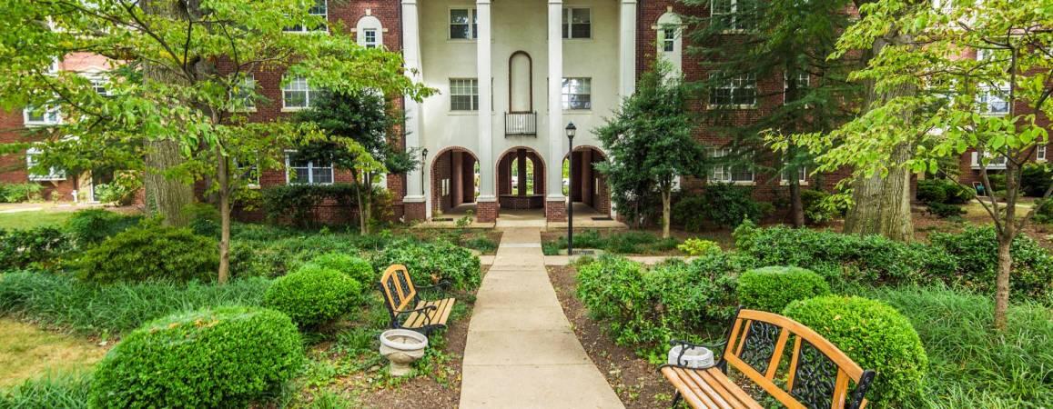 Palisades Garden Condos for Sale in Arlington, VA | c21redwood