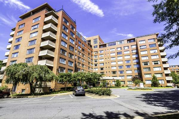 Riverplace Condo in Arlington, Virginia