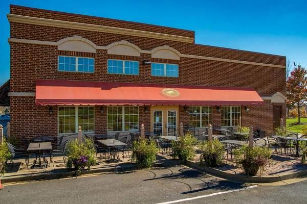 Mangia E Bevi Restaurant in Urbana, MD