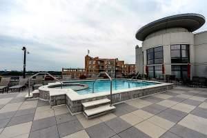 Clarendon 1021 Pool