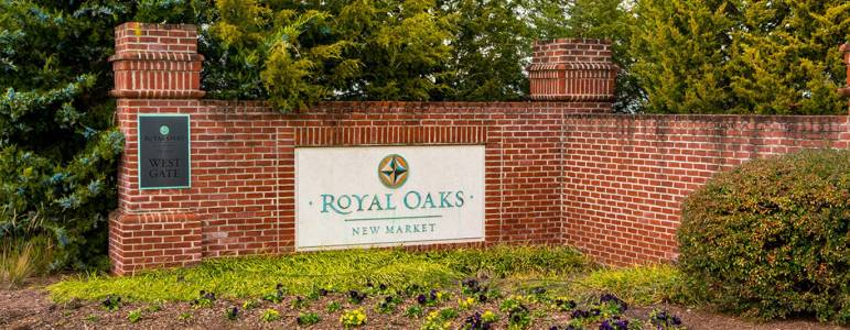 Homes for Sale in Royal Oaks