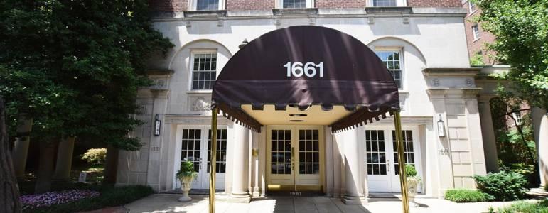 1661 Crescent Place Condo