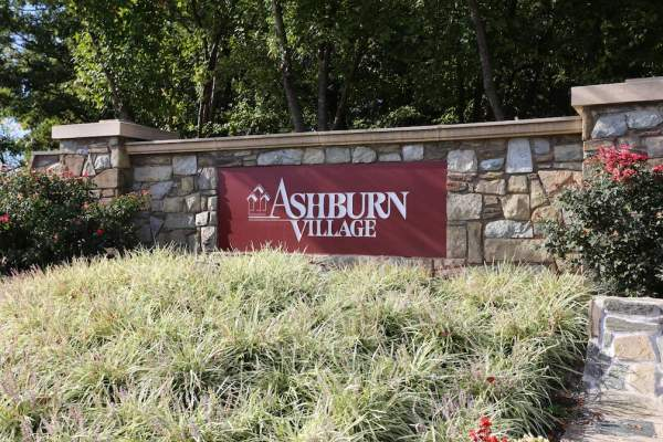 Homes for Sale in Ashburn Village in Loudon County, VA.