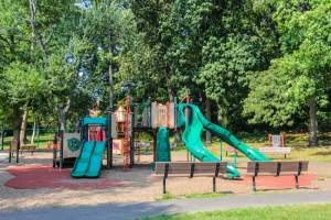 Doctors Run Playground (22204 Arlington Zip Code Guide)
