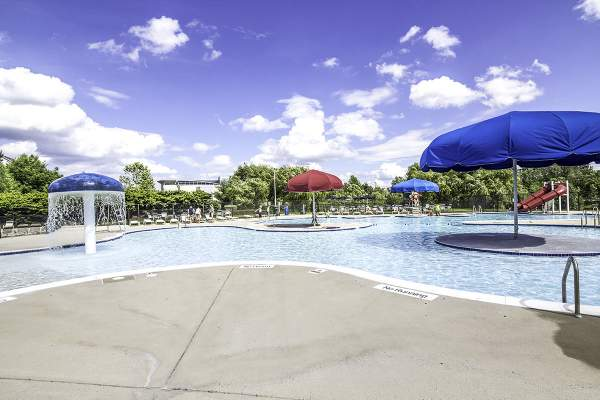 Breezy Hill Pool in Loudon County's Ashburn Farm