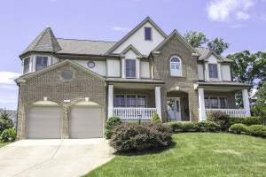 Single Family Home on Preston Court in Loudon's Ashburn Farm Neighborhood