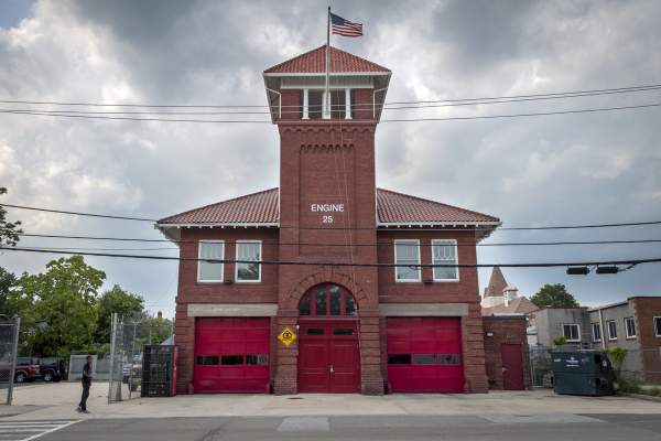 Engine 25 Fire House in Congress Heights (Washington, DC Zip Code Guide 20032)