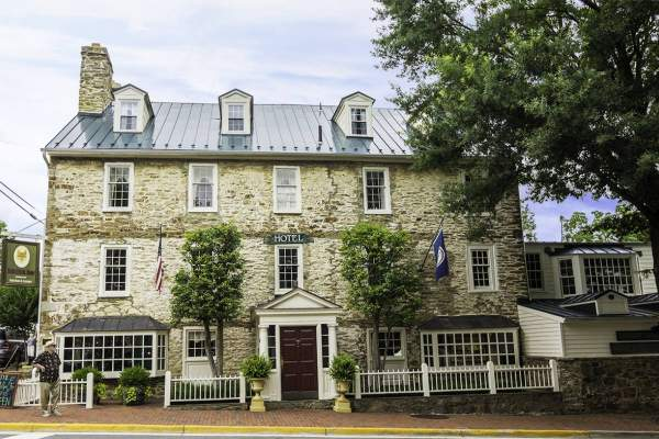 Middleburg, Virginia's Red Fox Inn