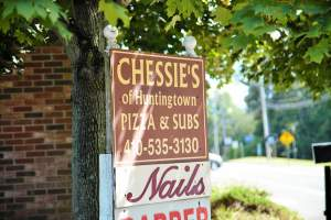Cheesie's Pizza and Subs in Huntingtown, Maryland