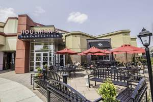 Houlihan's Bar & Restaurant in Herndon, Virginia.