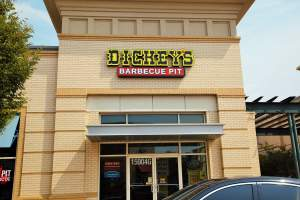 Dickey's Barbecue Pit in Brandywine, MD