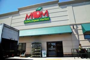 Mom's Organic Market in Waldorf, Maryland