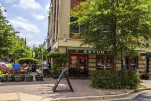 Astor Restaurant in Arlington's Lyon Park