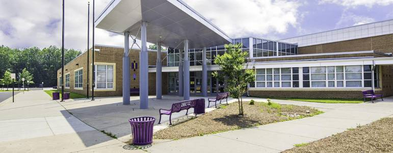 Lake Braddock Secondary School